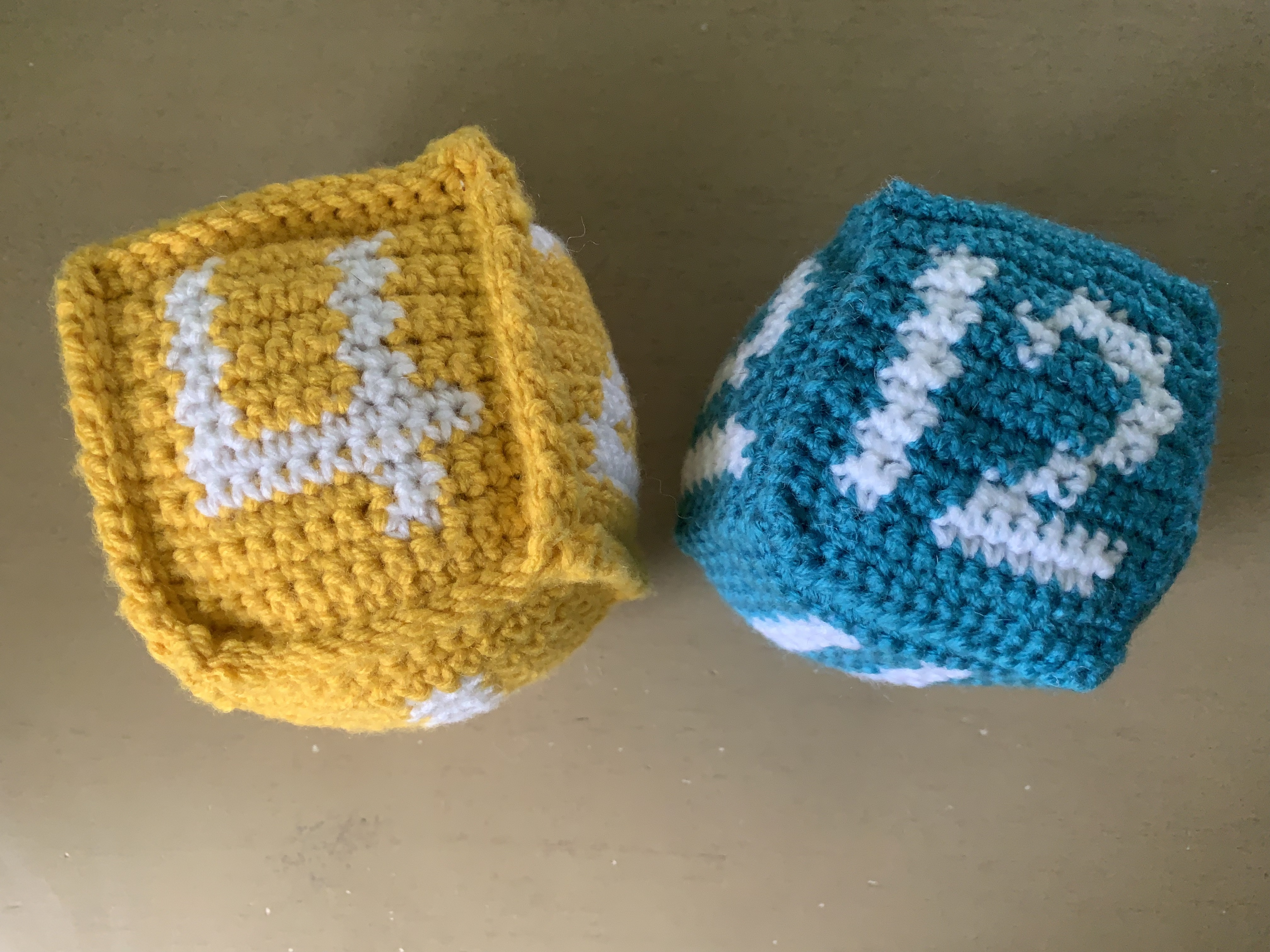 crochet, children, kids, number, block, dice, game, yarn, home, summer, school, activities, square
